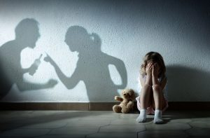 child-crying-shadow-parents-arguing-300x197